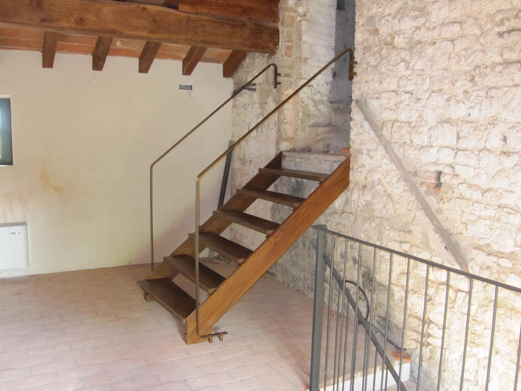 Casa immobiliare accessori scale in legno per esterni for Ringhiere bricoman